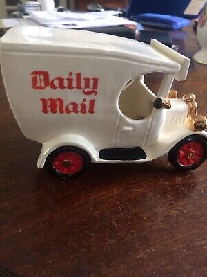 Vintage Collectable  Pottery Collection ~ Hand Made Pottery Model Daily Mail Van • 14.99£