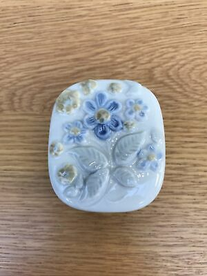 Vintage Wade Porcelain Floral Trinket Box With Grey Blue Flowers • 10£