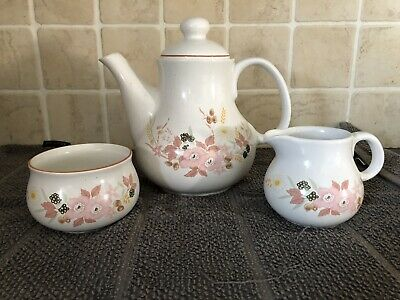 The Hedge Rose Tea Set • 12£