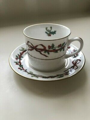 Royal Worcester Holly Ribbons Cup And Saucer • 10£