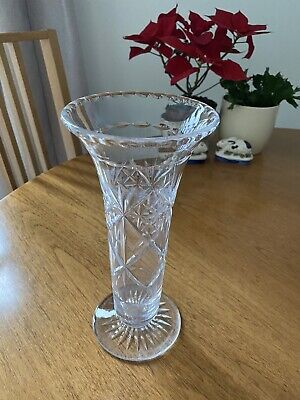 Lovely Vintage Cut Glass Vase 26cms Tall • 5.99£