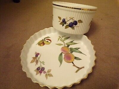 Royal Worcester Large Flan Dish And Souffle Dish • 9£