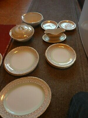 Maddock Vitreous, 1940s-60s 4 Person Dinner Service With Serving Dishes • 120£