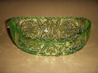 Vintage Green Glass Bowl • 4.75£