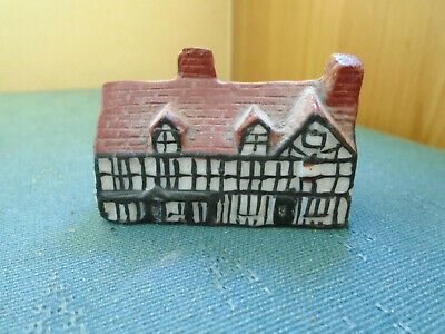 Model Of William Shakespeares House - Crested China • 4.50£