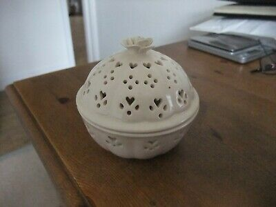 Fabulous Hartley Greens & Co. Leeds Pottery Cream Potpourri Bowl With Lid • 8.99£
