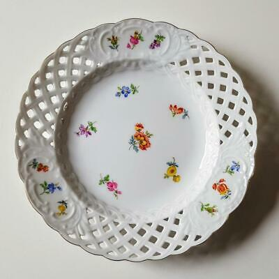 Meissen Scattered Flowers 6 Inch Reticulated Side Tea Plate - First Quality #2 • 11.50£