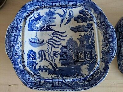 Willow Pattern Serving Dish With Lid. With Small Imperfections. • 4£