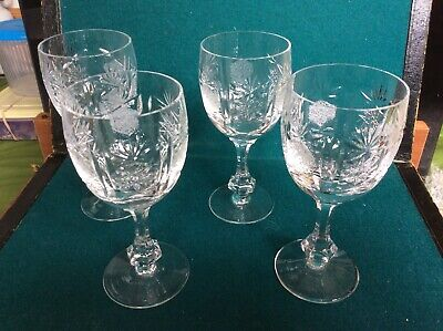 Set Of Four Beautiful Pineapple Etched Heavy Crystal Wine Glasses • 15£