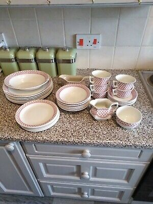 Adams Ironstone Dinner/Tea Service 32 Pieces - Victoria Pattern. Almost Complete • 29.99£