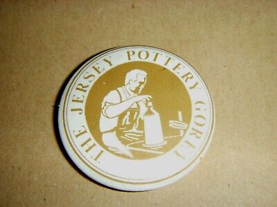 Old Jersey Pottery Badge • 4.75£