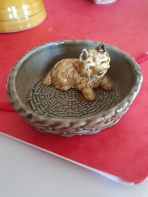 Lovely Wade Dog In A Basket - Good Condittion       • 1.50£