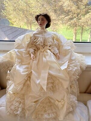 Rare 1988 Victoria & Albert Royal Museum Porcelain Doll. Franklin Mint • 60£