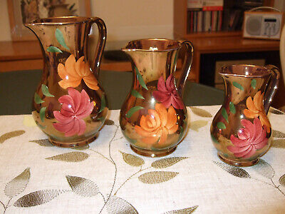Jugs: Set Of 3 Hand Painted Oldcourt Ware Lustre Jugs. Very Decorative. • 15£