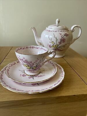 'April Beauty' 21-Piece Set, By Tuscan. Fine English Bone China Made In England • 47£