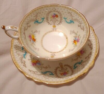 Paragon Fine Bone China  5 Cups And 6 Saucers With White, Gold Pink And Blue • 12.10£