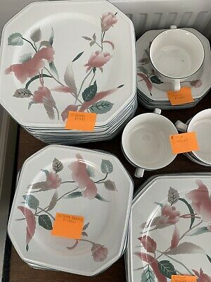 Mikasa Continental 'silk Flowers' Dining Set-104 Pieces Included See Description • 210£
