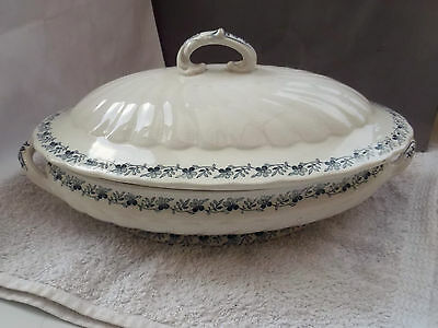 Lidded, Shaped, Oval Minton Tureen With A Blue Floral  Pattern   • 30.99£