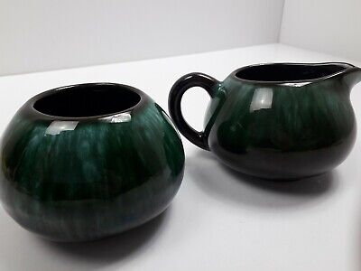 Canadian Blue Mountain Pottery Creamer And Sugar Bowl. • 12£