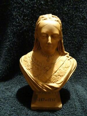 Rare Watcombe Pottery Terracotta Bust - Queen Victoria • 135£
