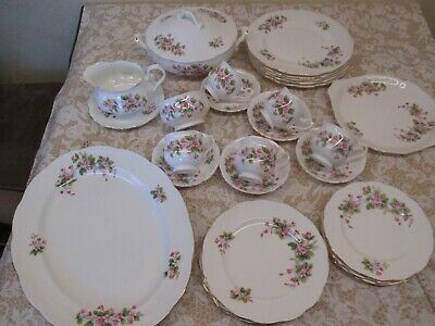 Superb Selection Of Pretty Pink Floral Vintage Richmond China Dinner/teaware  • 2£
