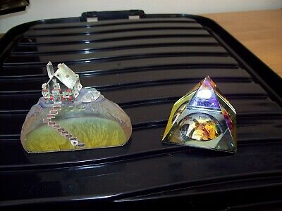 Hadrian Crystal. House On Cliff And 2 X Pyramids • 39£