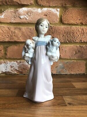 Lladro Porcelain Lady With Two Dogs • 16£