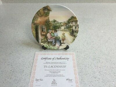 Collectors Item - ROYAL DOULTON  Old Country Crafts  Plate - 'The Lacemaker' • 12£