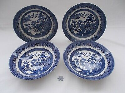 VINTAGE CERAMIC BLUE & WHITE CHURCHILL WILLOW PATTERN LARGE BOWLS DISHES X 4  9  • 9.99£