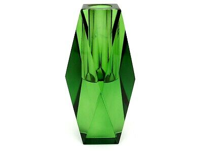 Superb Space Age UFO Art Glass Faceted Vibrant Electric Green Block Vase • 47£