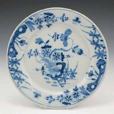A Mid 18th Century English Delftware Plate • 45£