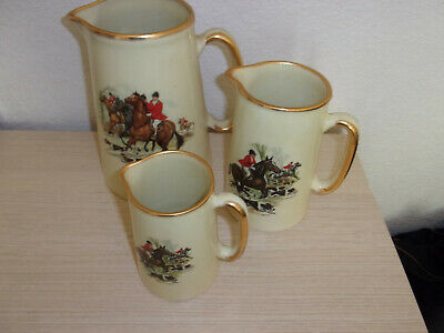 Set Of 3 Pottery Jugs Horse Hunting • 7£