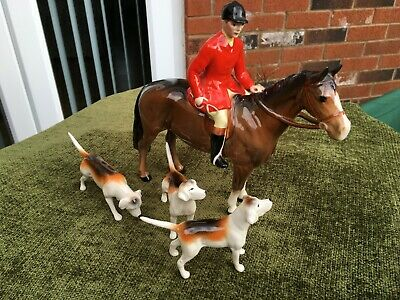 Beautiful Vintage Beswick Huntsman On Chestnut Horse With Three Hounds • 87£