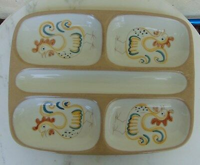 GLIDDEN POTTERY  ROOSTERS  By ERNEST SOHN DIVIDED  DISH • 39.35£