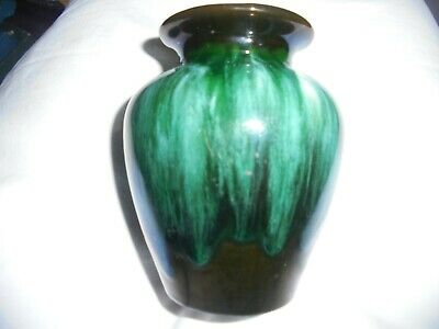 Blue Mountain Pottery, VASE 4 1/4  High  • 12£