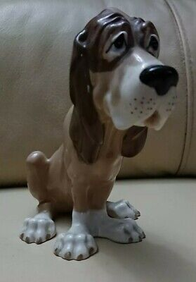 Vintage Szeiler Sitting Bloodhound Dog Figurine Ornament  • 17.50£