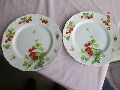 2 X Queens Pottery  Virginia Strawberry  Dinner Plates • 9.99£