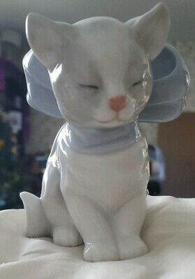 Nao By Lladro Sitting Cat With Blue Bow Item Code 1348 • 20£