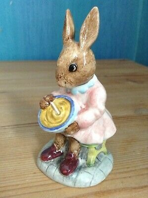 ROYAL DOULTON BUNNYKINS FIGURE - DB2 -  HELPING MOTHER  - Perfect Condition • 6.95£