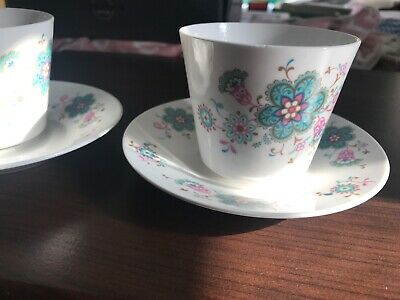 Queen Anne Cups And Saucers • 1.40£