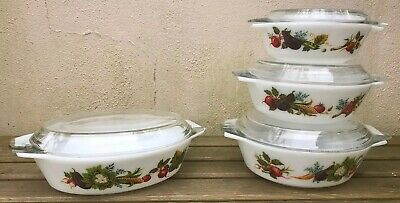 Vintage Pyrex Dishes X 4 • 16.50£