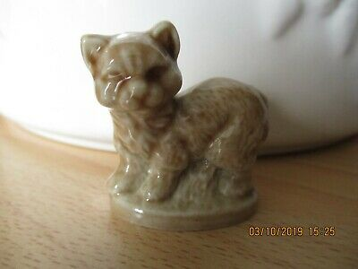 Wade Whimsie -Standing Cat • 3.75£