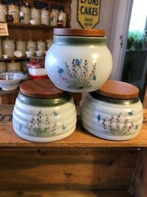 Vintage Buchan Stoneware Scotland – Set 3 Small Storage Jars – Wooden Lids  • 9.99£