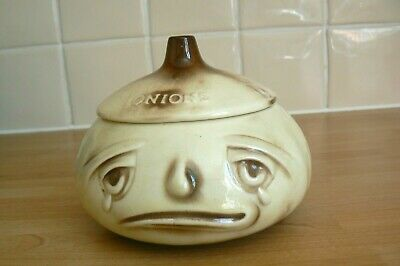 SylvaC Pottery Crying Onion Pot With Lid  • 4.45£