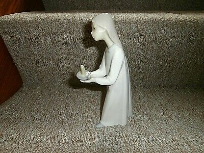 Lladro Girl In Nightdress Holding Candle 8.5  A/f • 4.99£