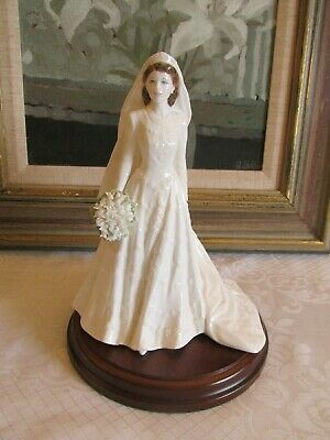 Coalport  The Queen  - 'Royal Brides Collection' Figurine - By John Bromley -  • 80£