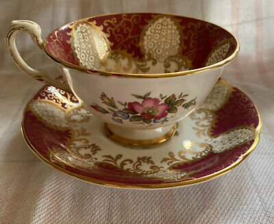 Paragon China Tapestry Rose Trio - Cup Saucer Plate - Hm Queen Mary Backstamp • 4.20£