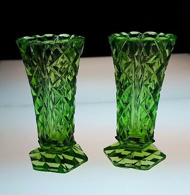 Pair Vintage Intense Green Pressed Glass Small Vases. Diamond Pattern. Gift • 10£