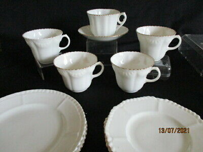Vintage Mismatched Trio: Pretty Peach Tea Cup, Saucer And Side Plate - Lovely  • 5.50£