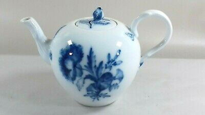 Vintage Meissen Porcelain Small Teapot Flowers Insects Blue White • 99£